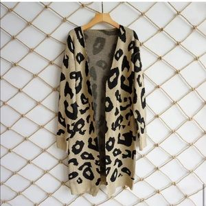 NWOT LONG CARDIGAN, Beige, S